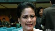 Ibu Iriana Besuk Wiranto Bersama OASE