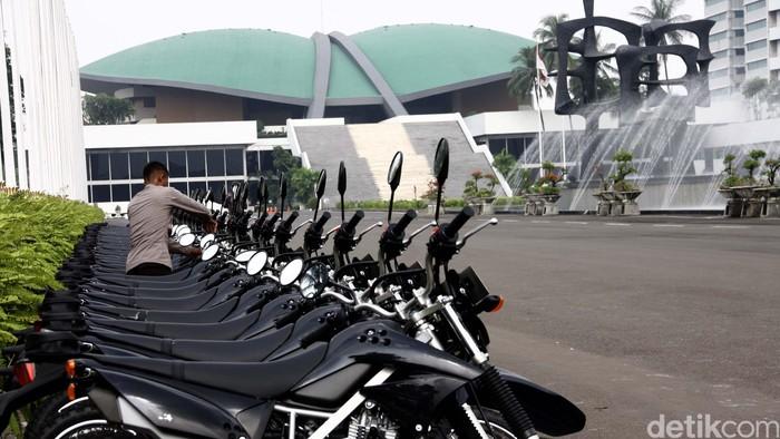 Pengamanan Gedung DPR di depan Gedung DPR, Senayan, Jakarta, Rabu (1/5/2013). File/detikFoto.