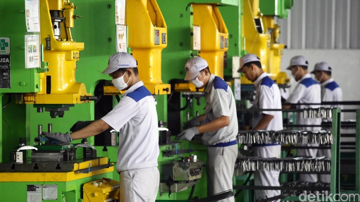Diresmikan 2 pabrik baru sehingga total 4 pabrik suku cadang binaan Astra telah berdiri di kawasan wialayah Cikarang, Jawa Barat. Persemian 2 pabrik yakni PT Mada Wikri Tunggal dam PT Tosama Abadi.