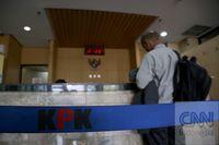 Jokowi Teken Aturan Pelapor Korupsi Diganjar Rp200 Juta