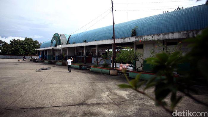 Terminal Bus AKAP Lebak Bulus sudah mulai dikosongkan dan siap diganti menjadi markas Mass Rapid Transit (MRT). Foto: Rachman Haryanto
