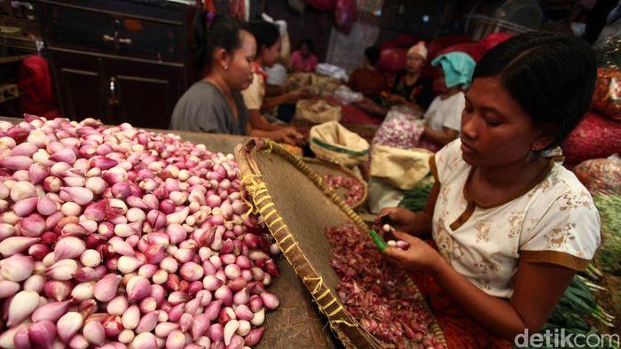 Pedagang Bawang Merah/Foto: Hasan Alhabshy