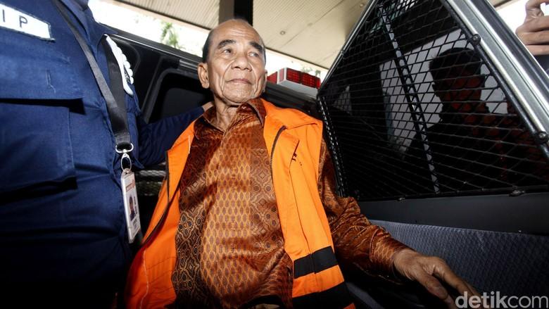 Perjalanan Annas Maamun: Kena OTT KPK hingga Dapat Grasi dari Jokowi