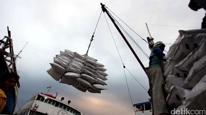 Ilustrasi logistik. Foto: Rachman Haryanto
