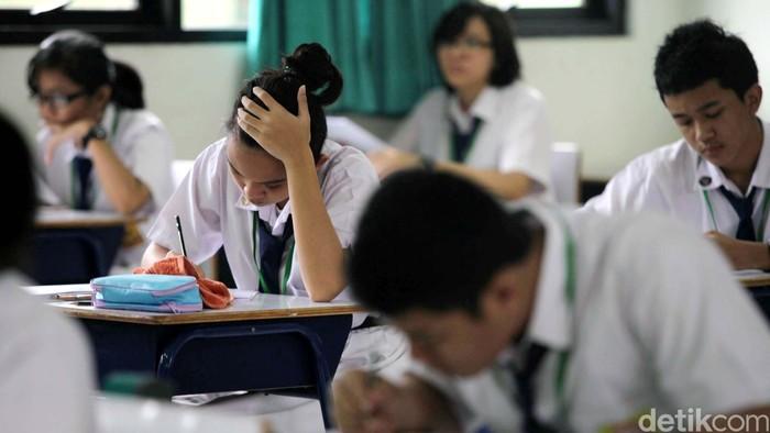 Jurusan IPA maupun IPS, kalau ujian sama-sama bisa bikin stres (Foto: Agung Pambudhy)