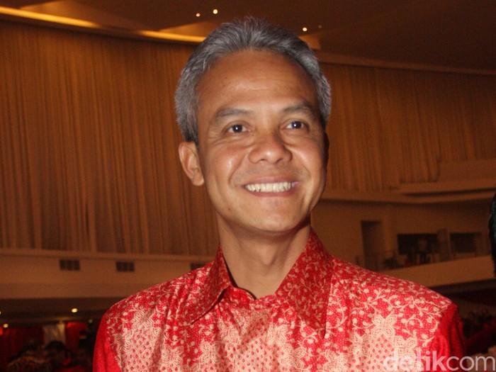 Gubernur Jawa Tengah ganjar Pranowo yang juga polotisi asal PDIP tersebut kini juga menjadi Ketua Tim Pemenangan pasangan Joko Widodo-Jusuf Kalla (Jokowi-JK) di Jawa Tengah.