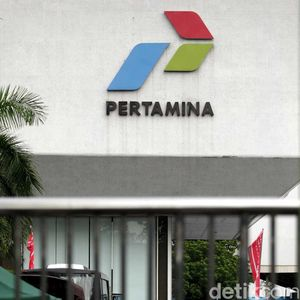 Keuangan Pertamina Seret, Pengamat: Jokowi Harus Naikkan Harga BBM