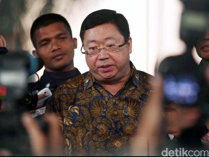 Mantan Direktur Utama Bank Century Robert Tantular kembali diperiksa penyidik KPK, di Kuningan, Jakarta, Jumat (13/9/2013). File/detikFoto.