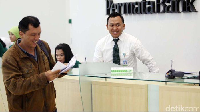 PT Bank Permata atau yang lebih dikenal dengan PermataBank meresmikan kantor pusat barunya yang berada di kawasan World Trade Center II - Sudirman, Jakarta, Senin (18/3/2013). Kantor yang memiliki luas sekitar 21.000 meter persegi dan terdiri dari 30 lantai itu sekitar 40% nya disewa oleh PermataBank.File/DetikFoto.