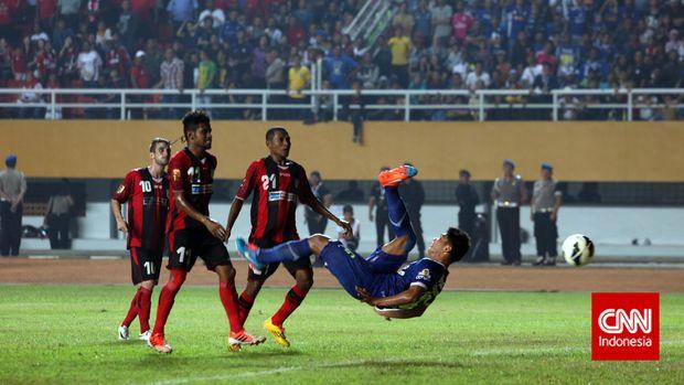 Ahmad Jufriyanto yang meminta pindah dari Persib Bandung.