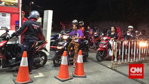 Andi Arief soal BBM Naik: Mana Tangisan PDIP