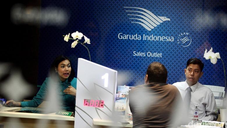 PT Garuda Indonesia, membuka kantor penjualan dan layanan baru di hotel Borobudur Jakarta, Kamis (27/11). Kantor baru ini akan melayani reservasi pembukuan, pembelian tiket, city check-in, layanan program frequent flier GarudaMiles, dan layanan pre flight.