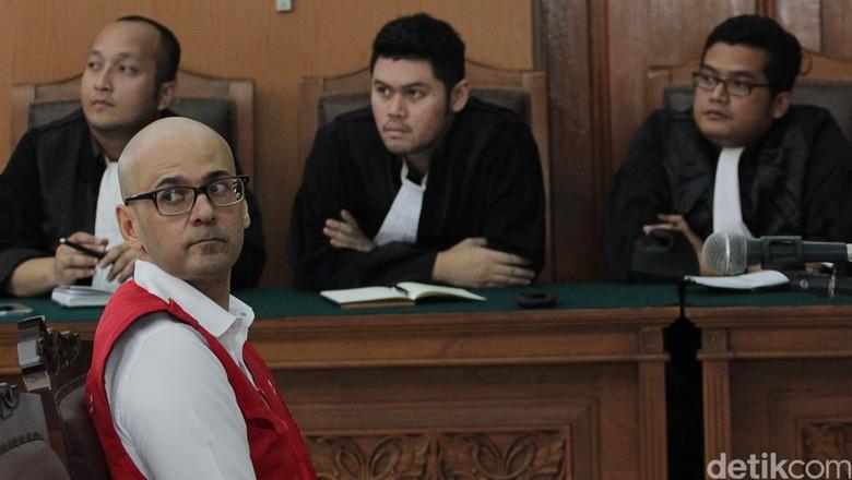 Dapat Grasi Jokowi, Neil Bantleman Terpidana Kasus Sodomi di JIS Bebas!