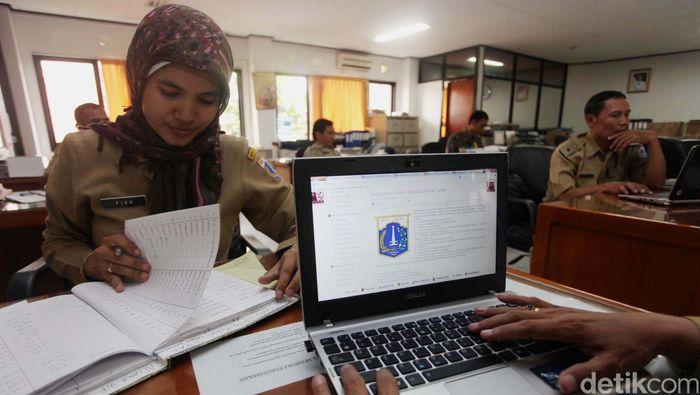 Ilustrasi PNS/Foto: Agung Pambudhy