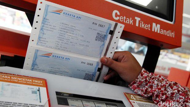 Sejumlah tiket kereta api untuk libur Natal dan tahun baru telah ludes. PT Kereta Api Indonesia (KAI) pun akan menjalankan 20 kereta api (KA) tambahan untuk mengantisipasi lonjakan penumpang jelang Natal 2014 dan Tahun Baru 2015 ini.