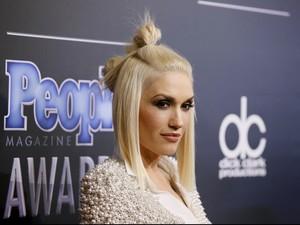 Cara Gwen Stefani Merawat Rambut, Pakai Berlapis-lapis Kondisioner
