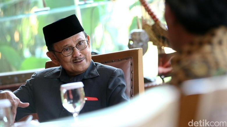 Ilham Habibie: Dokter Sarankan Bapak Istirahat Total
