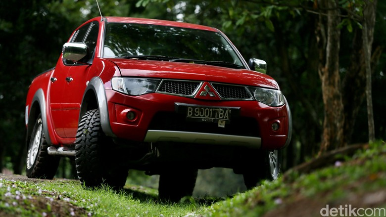 Mitsubishi Triton model lama Foto: Dikhy Sasra