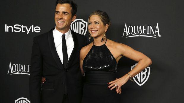 Jennifer Aniston bercerai dari Justin Theroux pada Februari lalu, setelah menikah sejak Agustus 2015.