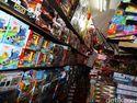 Mainan Lokal vs China di Pasar Gembrong, Mana Paling Laku?