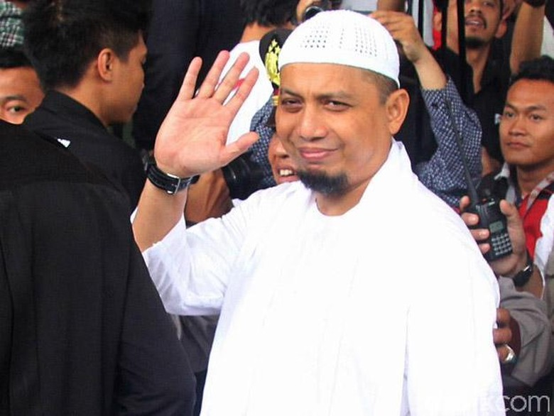 Sebelum ke Malaysia, Ustad Arifin Ilham Titip Pesan Ini ke Anak