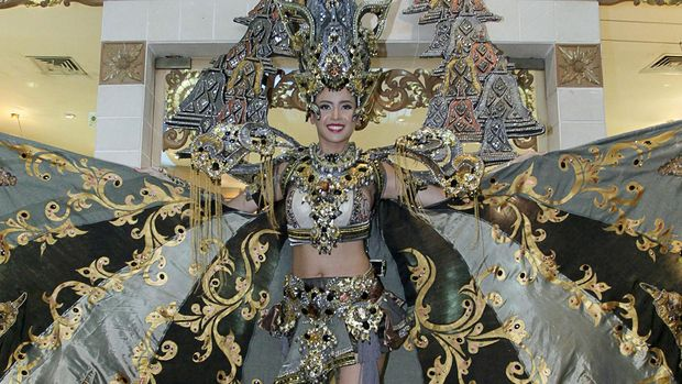 Best National Costume Elvira Devinamira