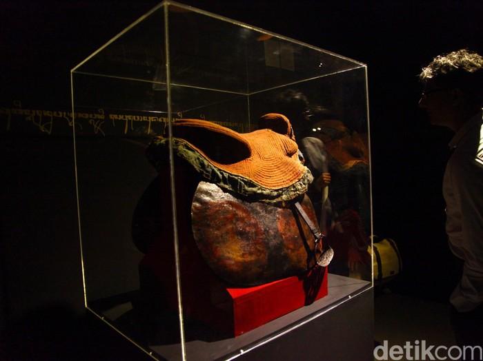 Pameran Aku Diponegoro: Sang Pangeran Dalam Ingatan Bangsa digelar di Galeri Nasional, Jakarta. Pameran ini memajang sejumlah karya perupa dan koleksi museum yang terkait dengan Pangeran Diponegoro.