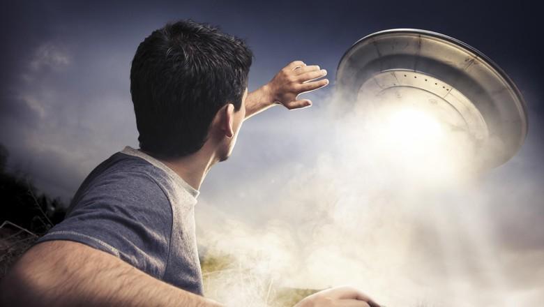 Adakah Alien di Atas Sana?