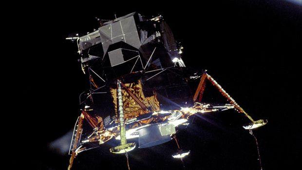 Melihat Pesawat Antariksa di Balik Misi Apollo 11