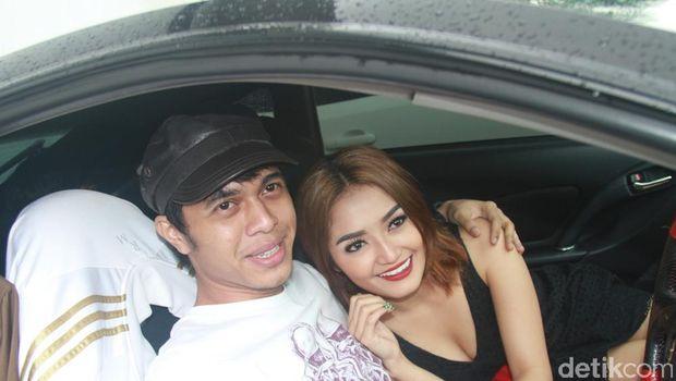 Siti Badriah dan Fahmi.