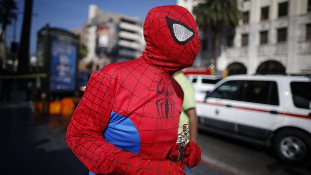 Sony diketahui sempat ditawari membeli seluruh karakter Marvel, namun mereka hanya tertarik pada Spider-Man.
