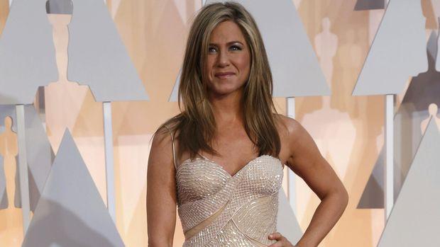 Jennifer Aniston sempat berpikir untuk hengkang dari Hollywood.