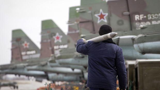 Rusia menyatakan manuver jet tempurnya sesuai dengan hukum internasional.