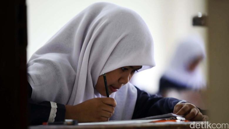 Nilai Rata-rata UN SMP Tahun 2016 Turun 3 Poin dari Tahun Lalu