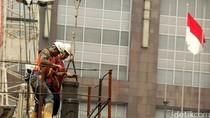 Pro Kontra Tuntutan Upah Buruh Naik 25%