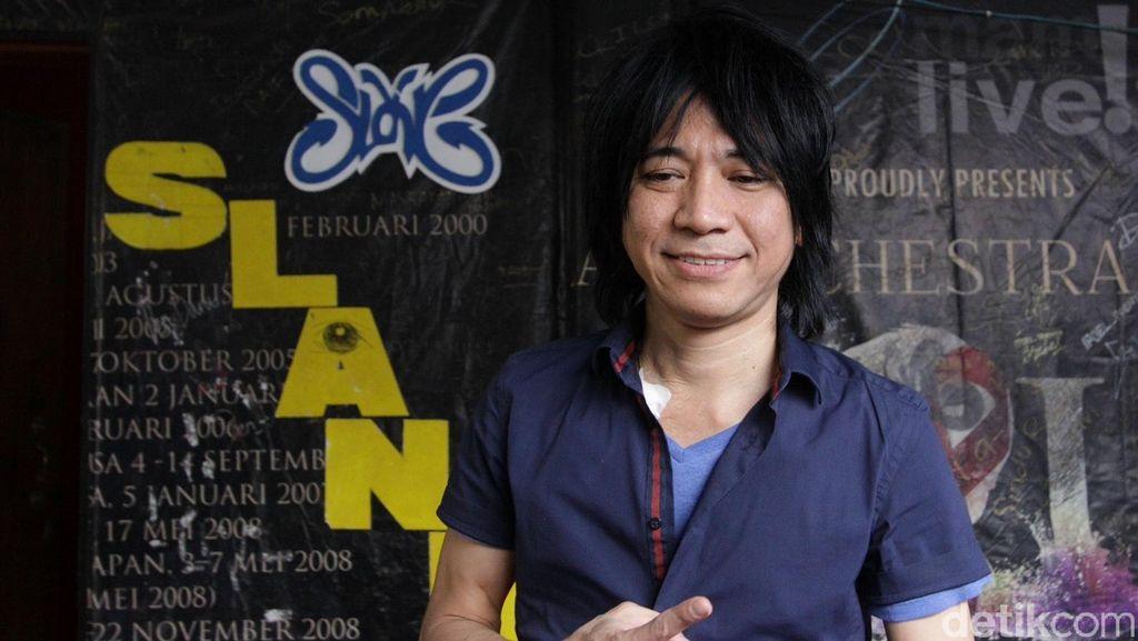 Absen Sidang Cerai, Abdee Slank Masih Berobat di Singapura
