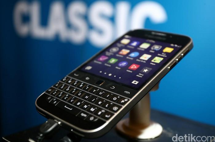 Ponsel BlackBerry. Foto: Agung Pambudhy