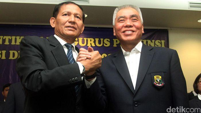 Ketua Harian PP PBSI, Alex Tirta (kanan) (Rengga Sancaya/detikSport)