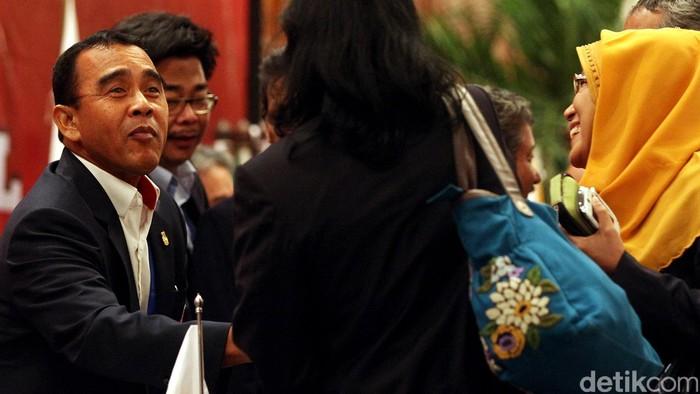 Ketua Umum KONI Pusat, Tono Suratman mengatakan dirinya siap dicalonkan kembali menjadi ketum periode 2015-2019 dalam Musornas KONI Pusat, November mendatang. Hal tersebut disampaikan Tono Suratman ketika menutup Rapat Anggota (RAT) KONI Pusat di JCC Senayan, Jakarta, Selasa (31/3/2015) malam.