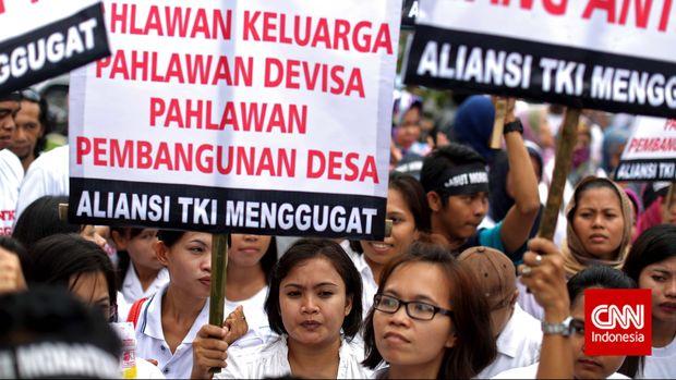 Aliansi TKI berdemo meminta pencabutna moratorium pengiriman pekerja migran ke Timur Tengah.