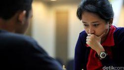 Tarung Catur Lawan Irene Sukandar, Raffi Ahmad Diajak Imbang
