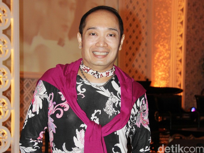Desainer Adjie Notonegoro disela-sela acara Bazaar Wedding Exhibition 2012. Jakarta, 05 April 2012. Mohammad Abduh/Detikcom