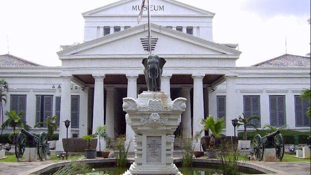 Museum Nasional tercatat sudah lima kali mengalami kehilangan dalam 50 tahun terakhir.