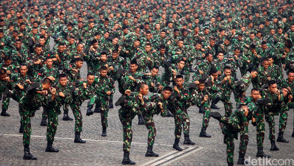 Mana Lebih Gede, Gaji TNI atau PNS?
