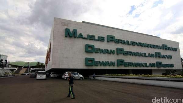 PPP dan PD Protes Revisi UU Ormas Tak Masuk Prolegnas Prioritas 2018