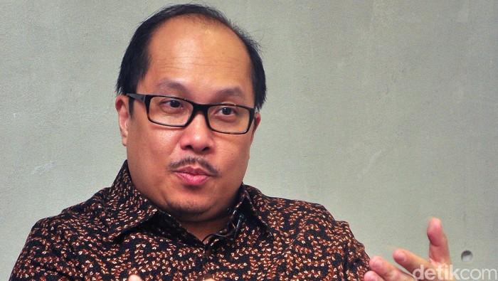 Direktur Utama PT Transportasi Jakarta A.N.S Kosasih saat berkunjung ke kantor detikcom, Rabu (29/4/2015). Reno/detikcom.