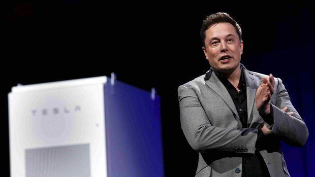 Amber Heard baru mengakhiri hubungan dengan bos Tesla, Elon Musk.