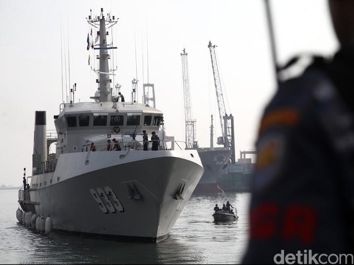 Salah satu kapal yang diterjunkan KRI Rigel-933 (Rachman Haryanto/detikcom)