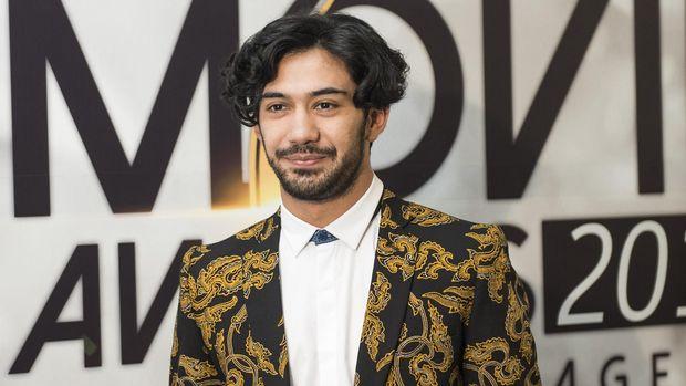 Reza Rahadian pernah memerankan Habibie dalam dua film: Habibie & Ainun (2012) dan Rudy Habibie (2016).