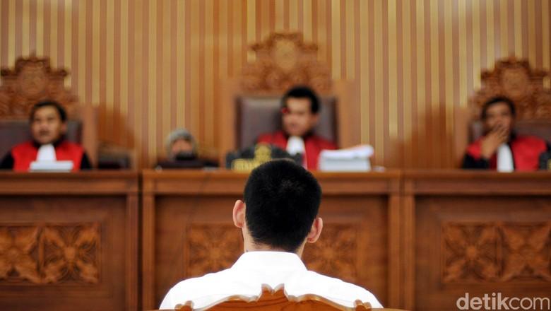 Nyoblos Pakai Undangan Orang Meninggal, Hasmudi Dihukum Percobaan